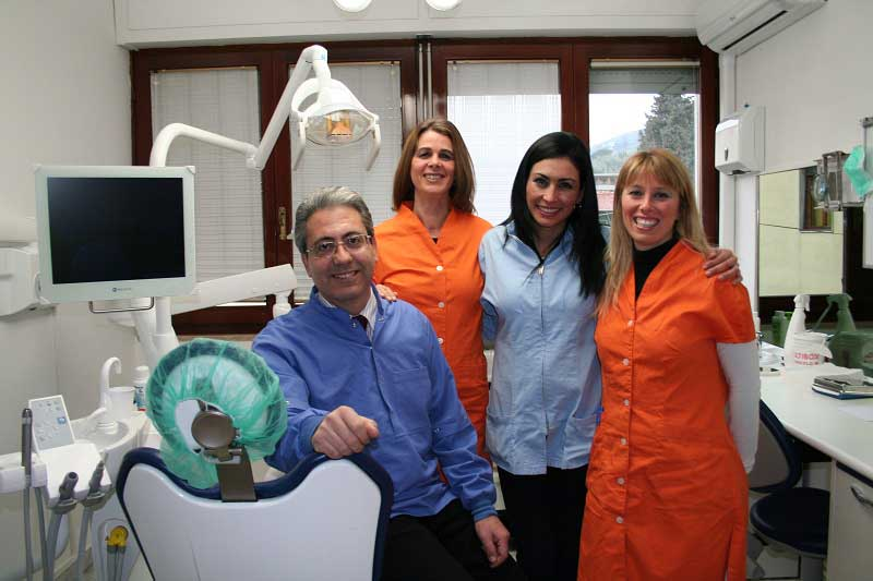 foto staff studio dentistico